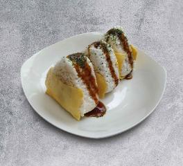CARTOPUS ONIGIRI NASI LEMAK WITH SAMBAL IKAN BILIS & EGG (3PCS) 椰浆饭口味饭团(三个)